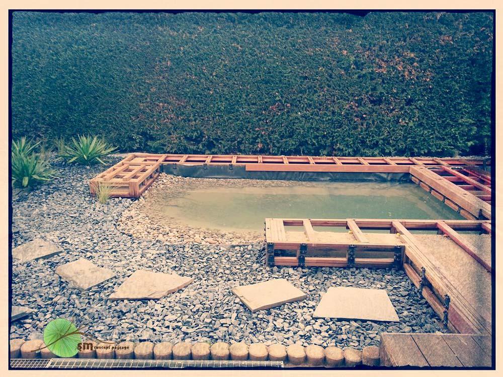 Aménagement des alentours d'une habitation avec intégration d'un muret végétal en bord de terrasse et réaménagement du bassin existant avec intégration de terrasses (voir projet en 2015).