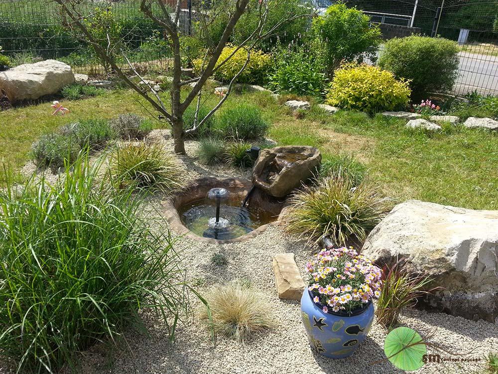 Aménagement d'un jardin spécialement conçu pour des chats.